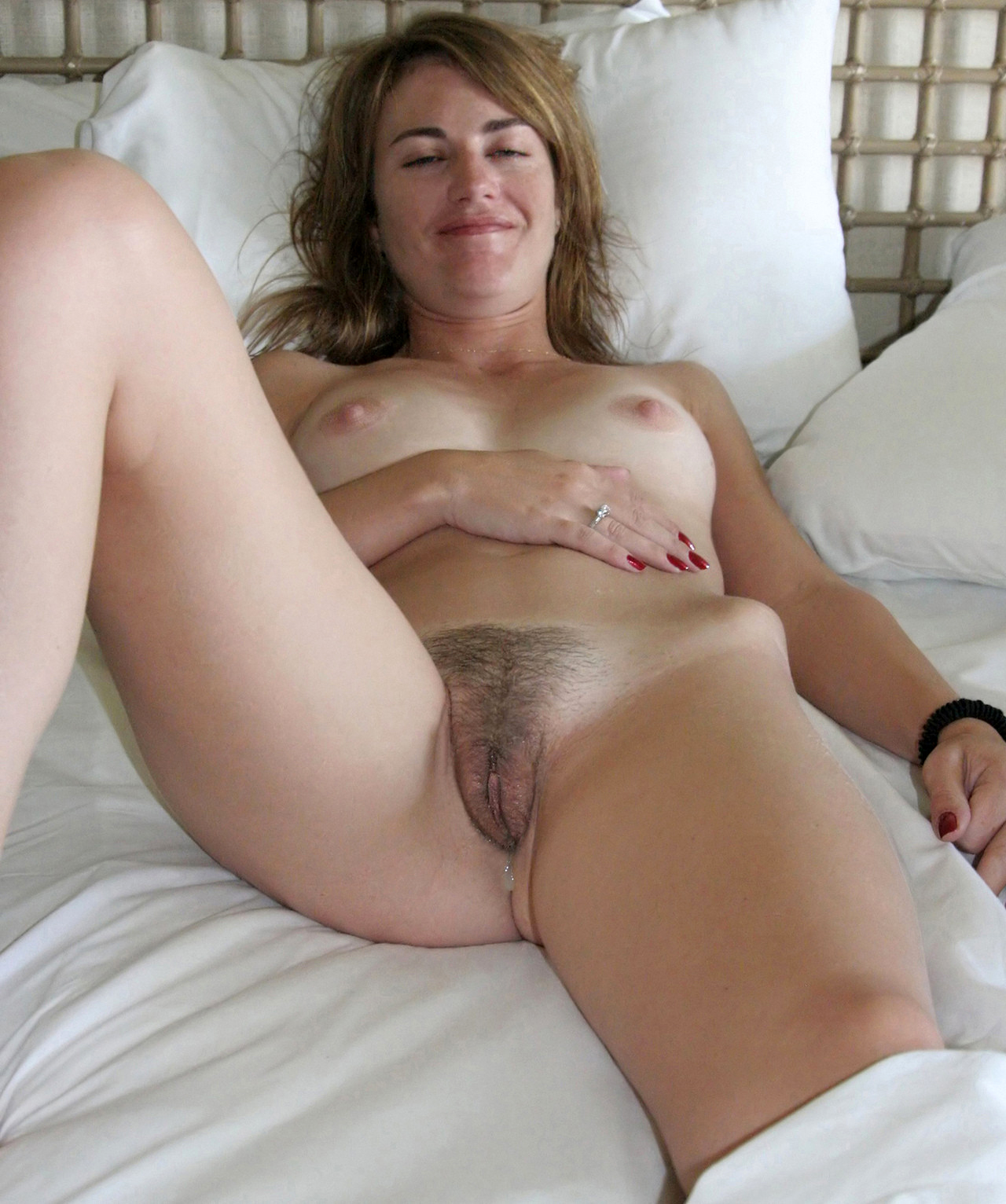 hairy pussy pics mature