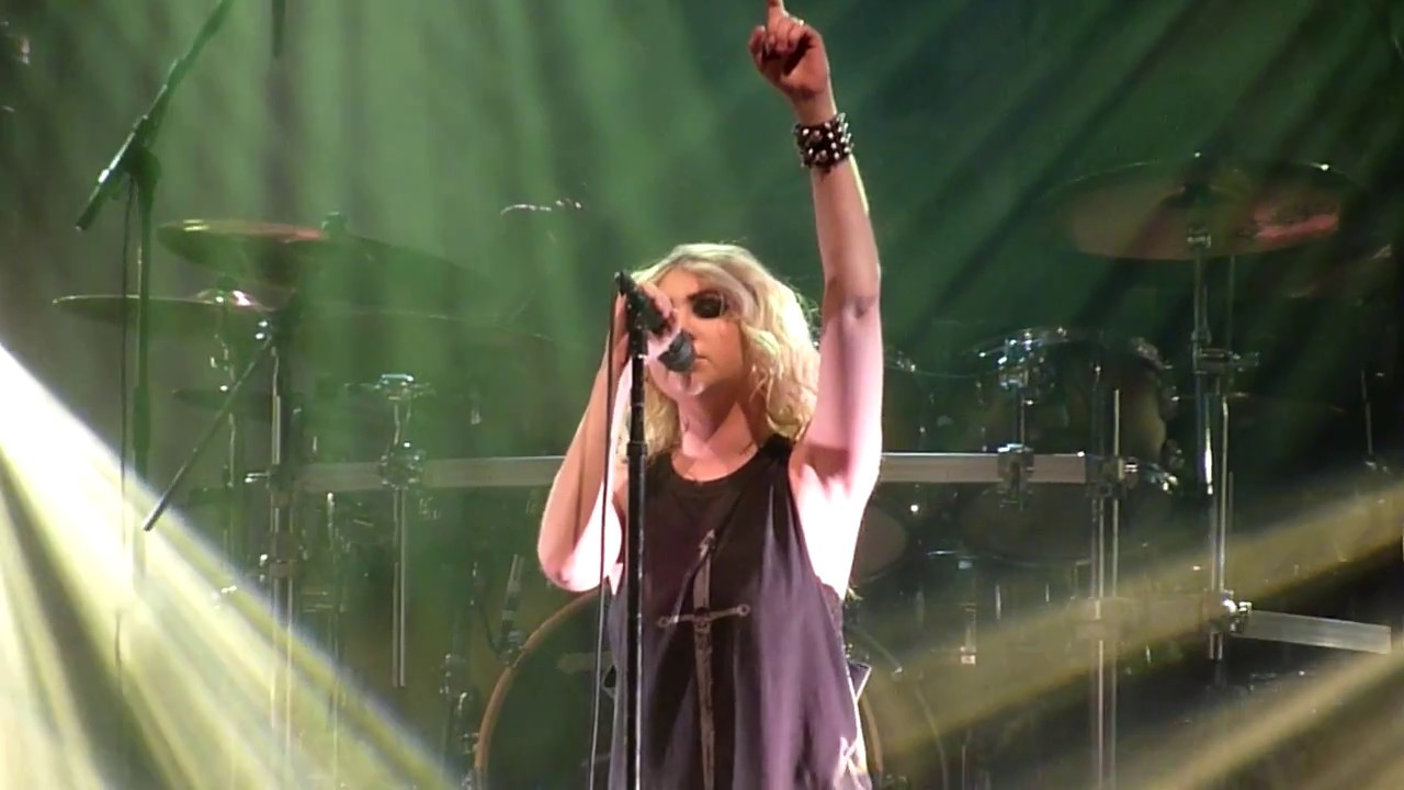 the pretty reckless heaven knows live